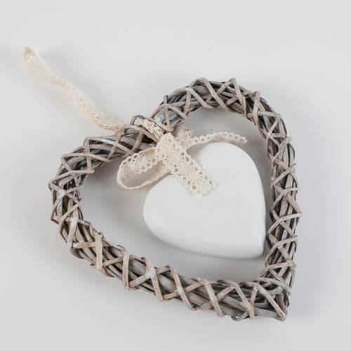 Corona cuore vimini grigio con cuore bianco cm 20