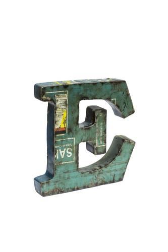 Lettera metallo E vintage colorata
