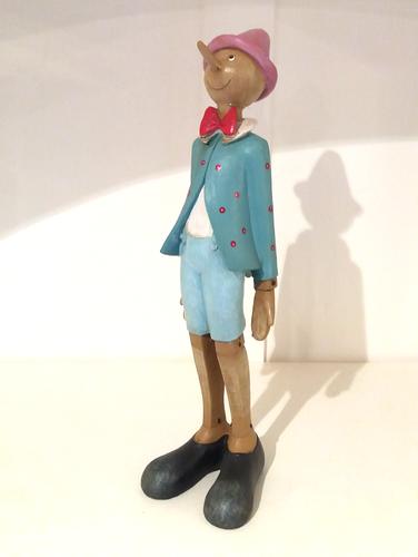 Pinocchio azzurro statico